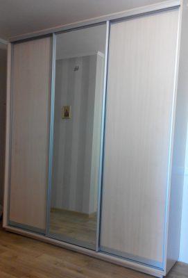 Шкаф-купе V-214 (ДСП*2+зеркало)